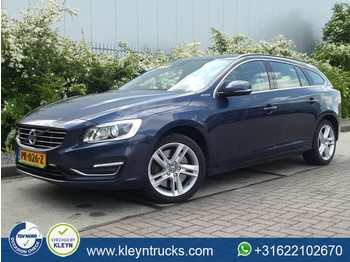 Лек автомобил Volvo V60 D6 TWIN ENGINE summum hybrid