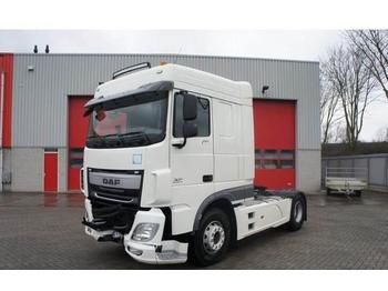 DAF XF106-460 / SPACECAB / AUTOMATIC / EURO-6 / 2015  - влекач